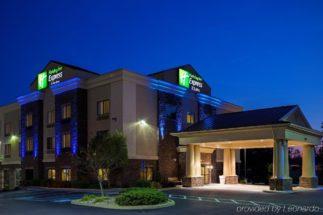 Holiday-Inn-Express--Suites-L-photos-Exterior